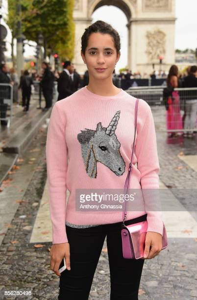 Iman Perez arrives at Le Defile L'Oreal Paris as part of Paris Fashion Week Womenswear Spring/Summer 2018 at Avenue Des Champs Elysees on October 1...