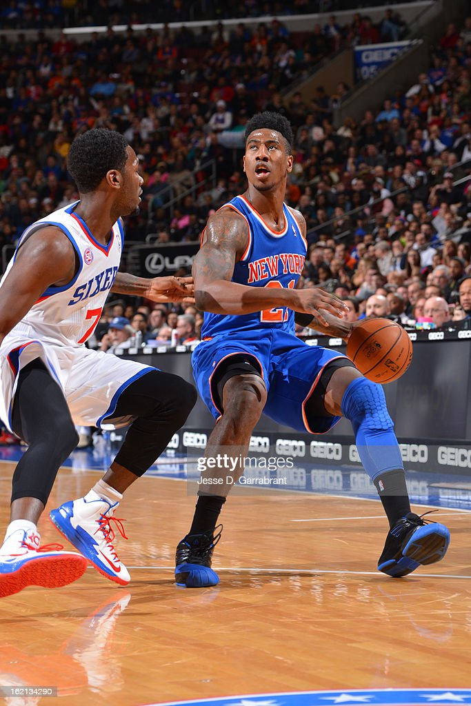<a gi-track='captionPersonalityLinkClicked' href=/galleries/search?phrase=Iman+Shumpert&family=editorial&specificpeople=5042486 ng-click='$event.stopPropagation()'>Iman Shumpert</a> #21 of the New York Knicks looks to shoot against the Philadelphia 76ers at the Wells Fargo Center on January 26, 2013 in Philadelphia, Pennsylvania.