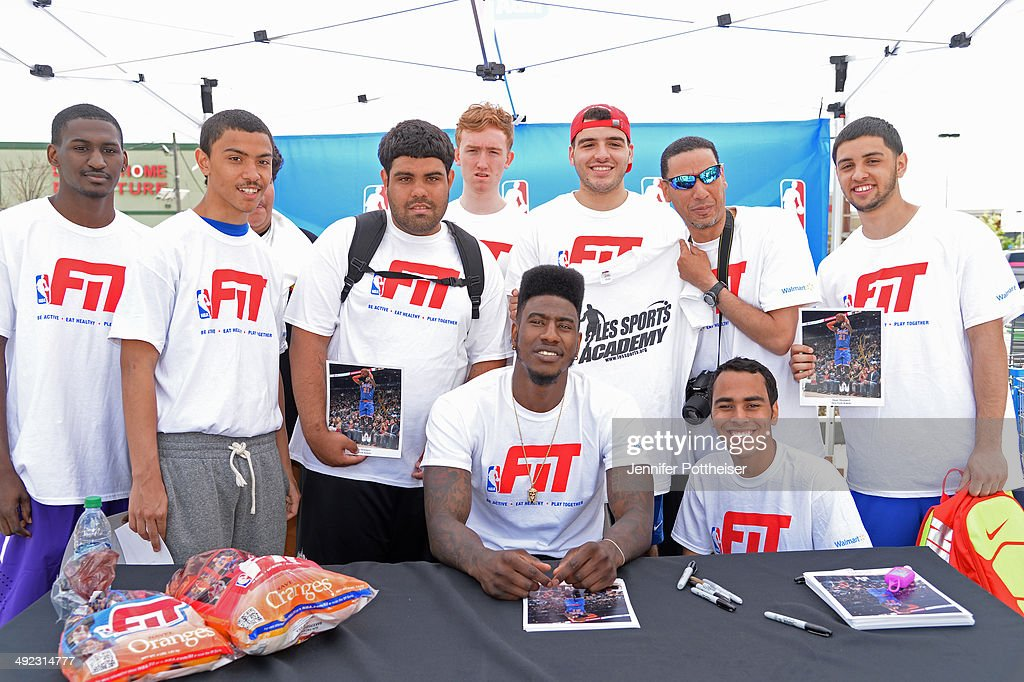 Iman Shumpert #21 of the New York Knicks takes part in an NBA Fit Clinic at Walmart on May 17, 2014 in North Bergen, New Jersey.