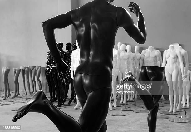 Imitation mannequins running