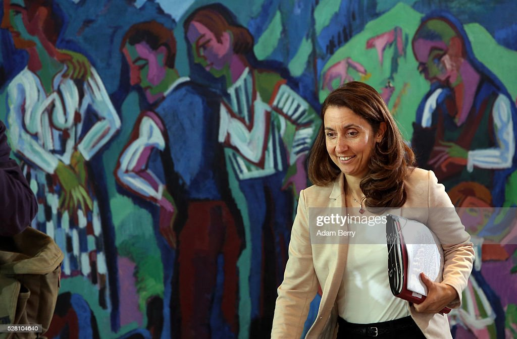 Immigration Minister Aydan Oezoguz (SPD) arrives for the weekly German federal Cabinet meeting on May 4, 2016 in Berlin, Berlin. High on the meeting's agenda was discussion of laws pertaining to maternity leave.