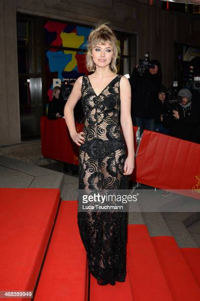Imogen Poots attends the 'A Long Way Down' premiere during the 64th Berlinale International Film Festival at the FriedrichstadtPalast on February 10...