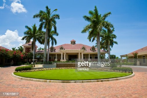 Impressive Clubhouse With Brick Driveway Florida Golf Community