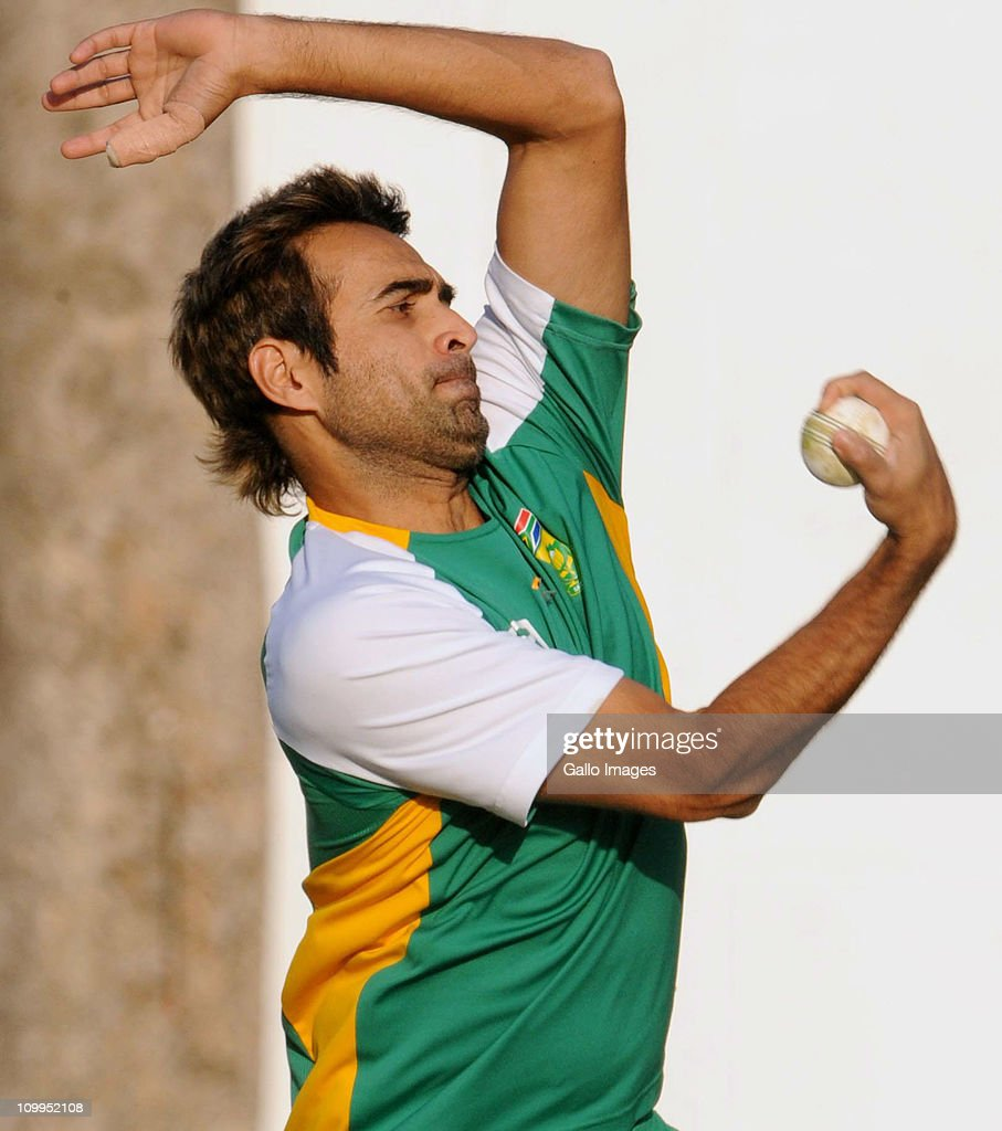 <a gi-track='captionPersonalityLinkClicked' href=/galleries/search?phrase=Imran+Tahir&family=editorial&specificpeople=2128968 ng-click='$event.stopPropagation()'>Imran Tahir</a> of South Africa bowls during a Proteas nets session at VCA Stadium on March 11, 2011 in Nagpur, India.
