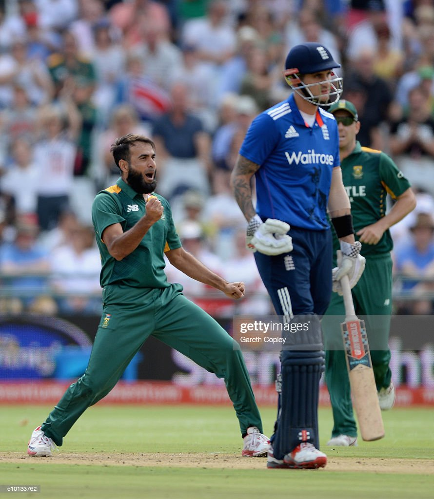 <a gi-track='captionPersonalityLinkClicked' href=/galleries/search?phrase=Imran+Tahir&family=editorial&specificpeople=2128968 ng-click='$event.stopPropagation()'>Imran Tahir</a> of South Africa celebrates dismissing Jason Roy of England during the 5th Momentum ODI match between South Africa and England at Newlands Stadium on February 14, 2016 in Cape Town, South Africa.
