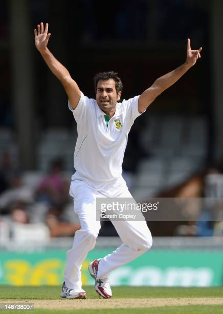 Imran Tahir of South Africa unsuccessfully appeals during day one of the 1st Investec Test match between England and South Africa at The Kia Oval on...