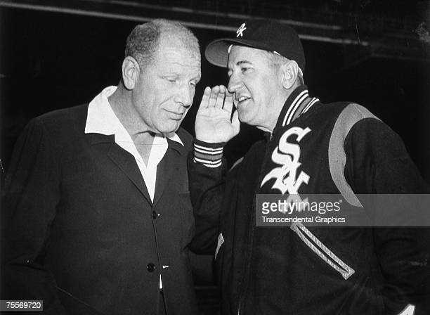 CHICAGO APRIL 1959 In April of 1959 Bill Veeck Chicago White Sox owner left hears a secret from Chisox manager Al Lopez perhaps that the club will...