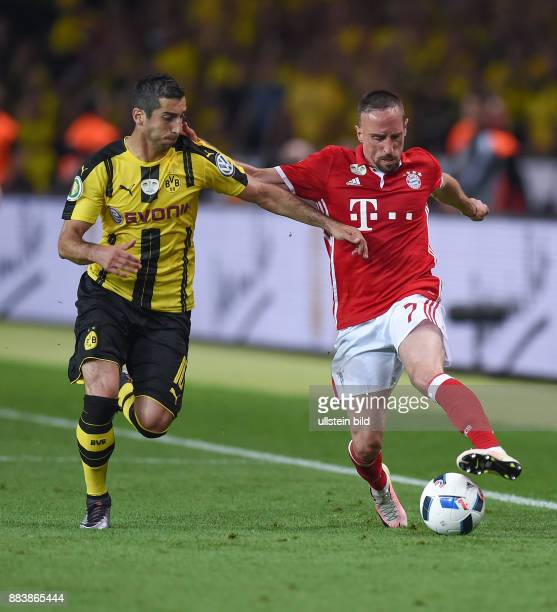 FUSSBALL DFB POKAL FINALE SAISON 2015/2016 in Berlin FC Bayern Muenchen Borussia Dortmund Henrikh Mkhitaryan gegen Franck Ribery
