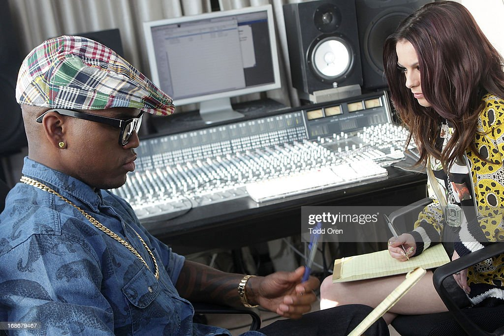 In celebration of the launch of the new Fruttare Fruit Bars, Ne-Yo and Cher Lloyd meet up in studio to discuss the direction of their new song inspired by submissions their fans shared on facebook, Twitter and Instagram that show what keeps them looking on the bright side. The submissions will inspire an original song, and fans can continue to contribute through May 20th by sharing what 'It's All Good' means to them at Fruttare U.S. Facebook page or by using the hashtag #itsallgood on Twitter or Instagram. For more information visit www.facebook.com/Fruttare. #itsallgood.