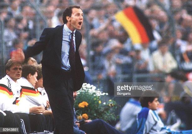 EM 1988 in DEUTSCHLAND Duesseldorf DEUTSCHLAND ITALIEN 11 Franz BECKENBAUER/GER