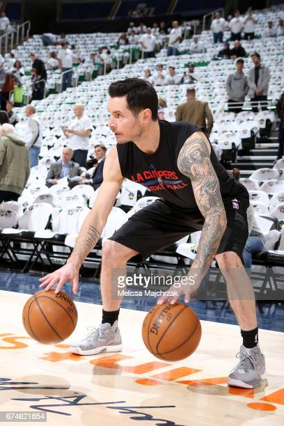 J Redick of the LA Clippers warms up before the game against the Utah Jazz of the Utah Jazz of the Los Angeles Clippers at vivintSmartHome Arena on...