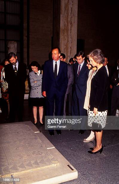 In his official trip to Bulgaria the Spanish King Juan Carlos and Sofia visiting the National Museum of History 24th May 1993 Sofia Bulgaria