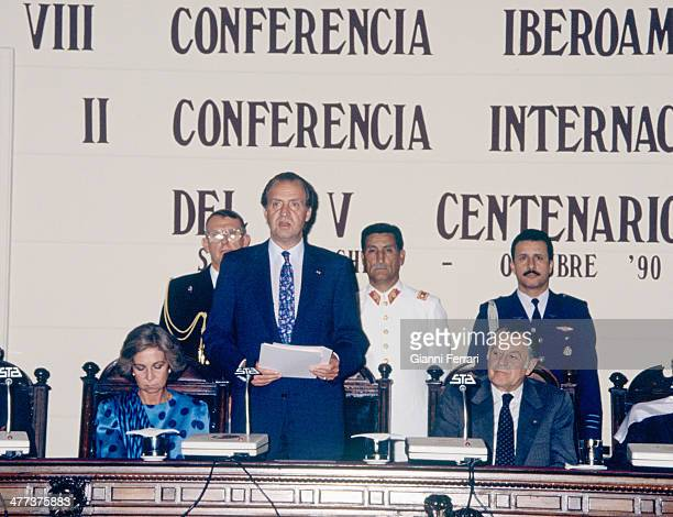 In his official trip to Chile the Spanish King Juan Carlos and Sofia at the meeting of the National Committees of the V Centenary 18th October 1990...