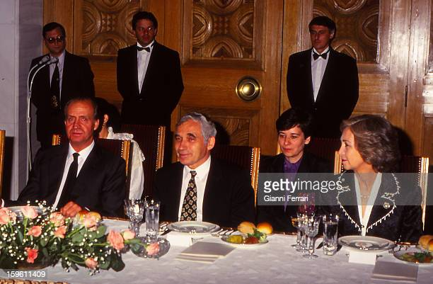 In his official visit to Bulgaria the Spanish King Juan Carlos and Sofia attend a gala dinner with Bulgarian President Zhelyu Zhelev 23rd May 1993...