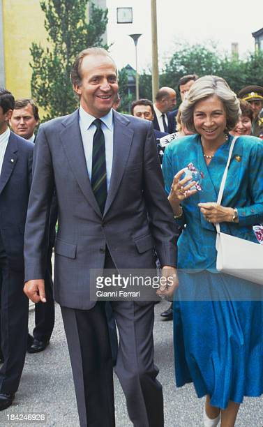 In his official visit to Czechoslovakia the Spanish Kings Juan Carlos and Sofia visit the city of Karlovy Vary 9th July 1987 Prague Czechoslovakia