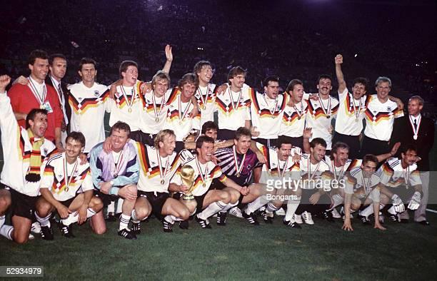 WM 1990 in ITALIEN Finale Rom DEUTSCHLAND ARGENTINIEN 10 TAEM DEUTSCHLAND WELTMEISTER 1990