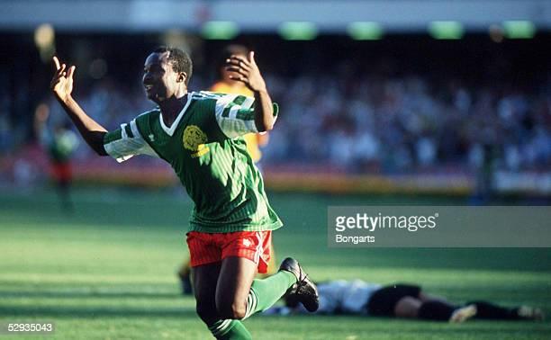 WM 1990 in Italien Neapel Kamerun Kolumbien 21 Jubel Roger MILLA/CMR