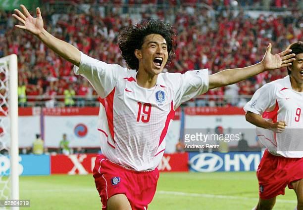 WM 2002 in JAPAN und KOREA Daejeon Match 56/ACHTELFINALE/KOREA ITALIEN 21 nV 21 TOR JUBEL Jung Hwan AHN/KOR