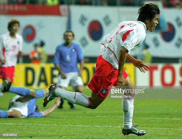 WM 2002 in JAPAN und KOREA Daejeon Match 56/ACHTELFINALE/KOREA ITALIEN 21 nV JUBEL Ki Hyeon SEOL/KOR