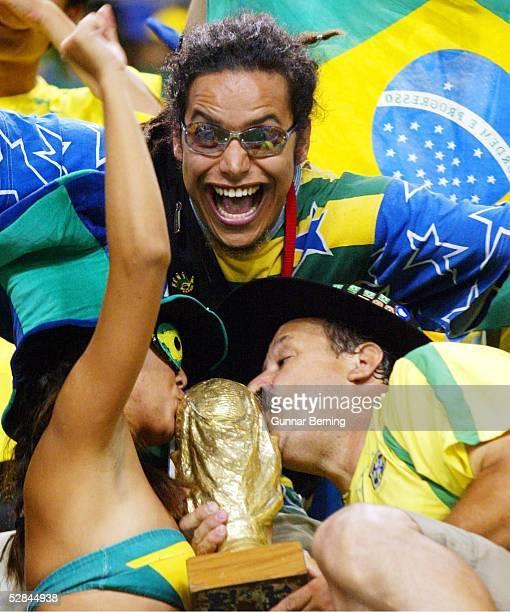 WM 2002 in JAPAN und KOREA Kobe Match 54/ACHTELFINALE/BRASILIEN BELGIEN 20 FANS BRASILIEN