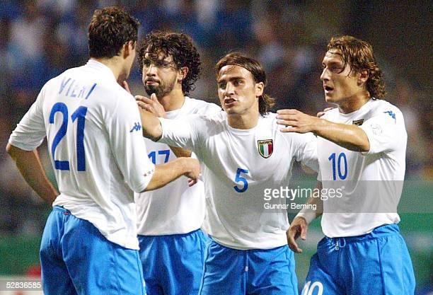 WM 2002 in JAPAN und KOREA Oita GRUPPE G/MEXIKO ITALIEN 11 Christian VIERI Damiano TOMMASI Fabio CANNAVARO Francesco TOTTI/ITA