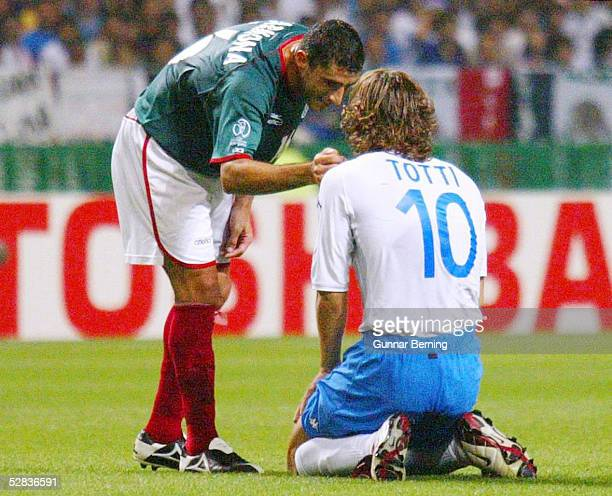 WM 2002 in JAPAN und KOREA Oita GRUPPE G/MEXIKO ITALIEN 11 Salvador CARMONA/MEX Francesco TOTTI/ITA
