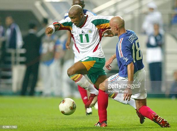 WM 2002 in JAPAN und KOREA Seoul GRUPPE A/FRANKREICH SENEGAL 01 Ei Hadji DIOUF/SEN Frank LEBOUF/FRA