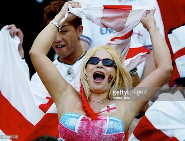 WM 2002 in JAPAN und KOREA Shizuoka Match 57/VIERTELFINALE/ENGLAND BRASILIEN 12 weiblicher ENG FAn