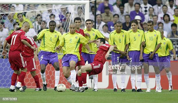WM 2002 in JAPAN und KOREA Ulsan GRUPPE C/BRASILIEN TUERKEI 21 Fussball Mauer Brasilien