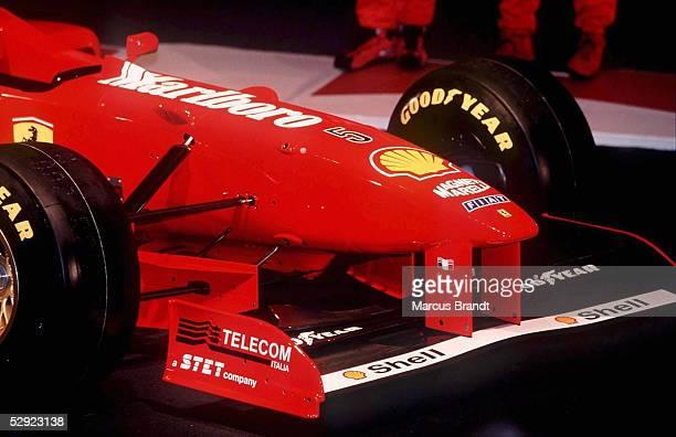 FORMEL 1 FERRARI PRAESENTATION in Maranello 6197 Hoehergezogener Frontspoiler des Ferrari
