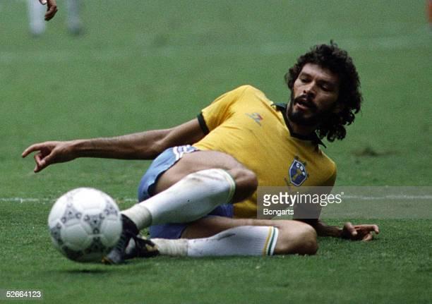 WM 1986 in Mexiko Guadalajara 210686 Brasilien Frankreich 11 45 nE SOCRATES/BRA