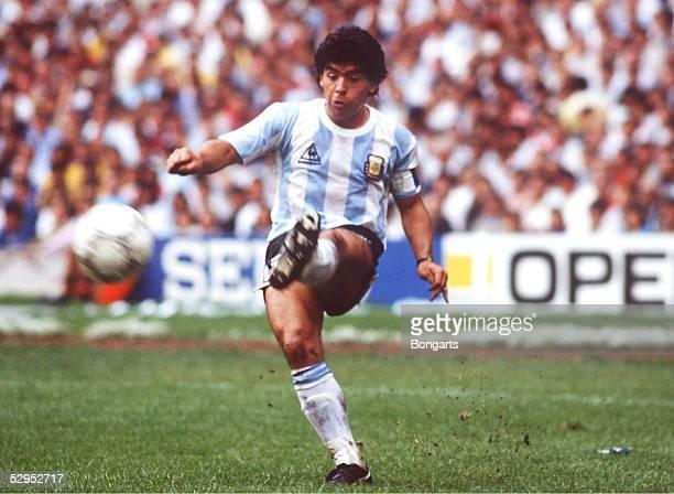 WM 1986 in MEXIKO Mexiko City 250686 ARGENTINIEN BELGIEN 20 Diego MARADONA / ARG FOTO