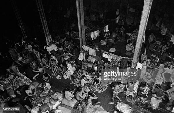 Chinese-Vietnamese Boat People on Hai Hong Pictures ...