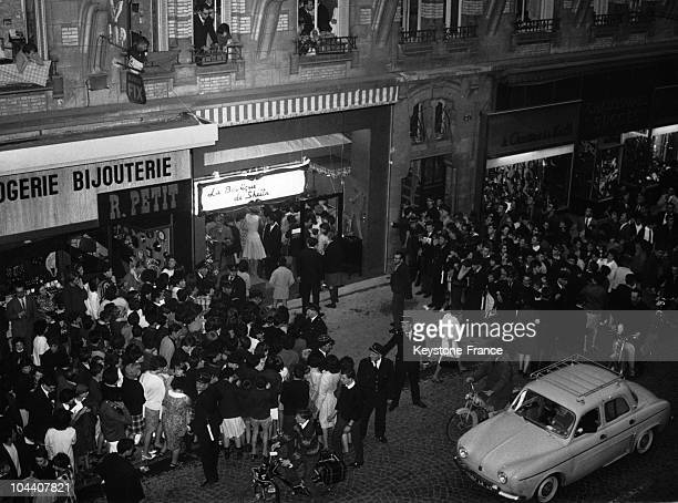 In Orleans the crowds gather to visit the new boutique of the French singer SHEILA's fashion house