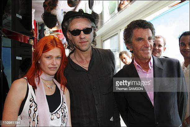 In Paris France on June 17th Axelle Red Bob Geldof and Jack Lang in Bob Geldof's announcement of his concerts on 4 continents on July 2nd 2005 in...