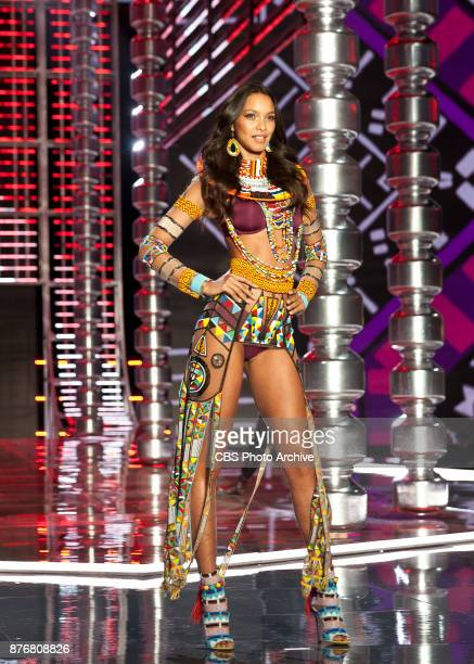 'THE VICTORIA'S SECRET FASHION SHOW' in Shanghai China for the first time at the MercedesBenz Arena Broadcasting TUESDAY NOV 28 ON CBS Pictured Lais...