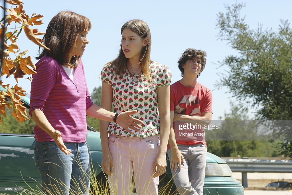 THE MIDDLE - In the fifth season premiere episode, 'The Drop Off,' airing WEDNESDAY, SEPTEMBER 25 (8:00-8:30 p.m., ET) on the ABC Television Network, against Axl's wishes, Frankie insists on having the entire Heck family along for the ride as they drive to his college to move him into his dorm. But the short drive turns into an eternity when Sue freaks out after discovering that Frankie forgot to fax in her essay to be a candidate for Junior Peer Leadership Advisor, and Brick proves once again that he can't be trusted when he keeps losing his new cell phone. MCDERMOTT