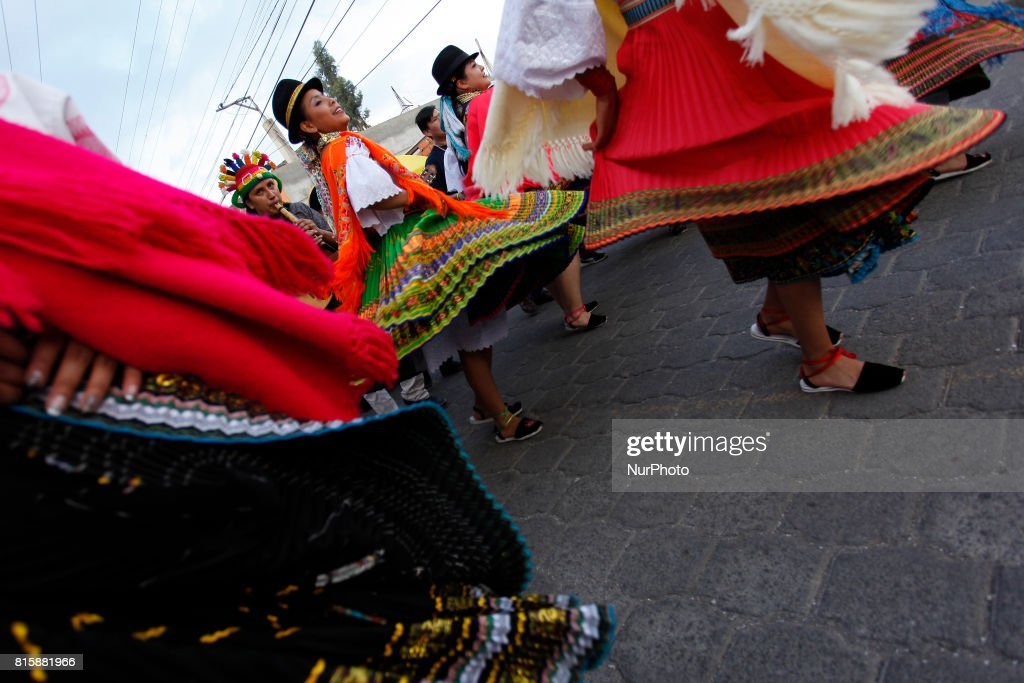 In the parish Juan Montalvo of Cayambe, Ecuador, every year its inhabitants celebrate for eight weeks the festivities of San Pedro. Comparsas and dances in the main streets of the parish give life to the area every weekend. This celebration is developed for several centuries and is part of the ancestral culture of Juan Montalvo. Folkloric dance groups are organized from the neighborhoods or between friends. Residents of the sector or outsiders wait every Saturday and Sunday in the paths to see them sing and dance to the sound of Andean instruments. The women dance in colorful costumes and the men are in charge of singing and singing the charango, guitar, violin, flute and bass drum. The octaves, as it is known to this celebration, will extend until the 21 of August. That day the celebration will multiply by a thousand affirm the inhabitants of Juan Montalvo, in Cayambe, Ecuador, Sunday, July 16, 2017. (Photo by Franklin Jácome / Pressouth).