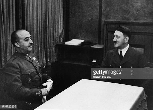 In the saloon car of Hitler on the French frontier station Hendaye Hitler in conversation with Francisco Franco y Bahamonde