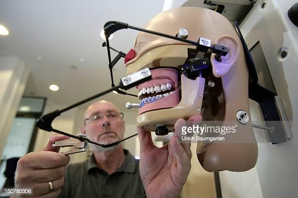 in the technology center Dortmund Dental Innovation GmbH in Dortmund Change from the manual prosthetic dentistry to high technology in dental...