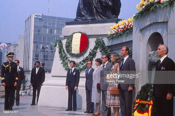 In their official visit to Mexico the Spanish Kings Juan Carlos and Sofia offred a wreath to the Unknown Soldier Third November 1978 Mexico City...