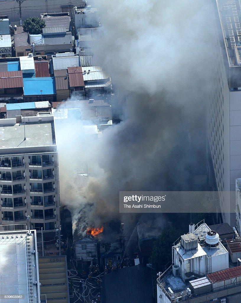 Fire Golden Gai Near Shinjuku 39 S Kabukicho Getty Images