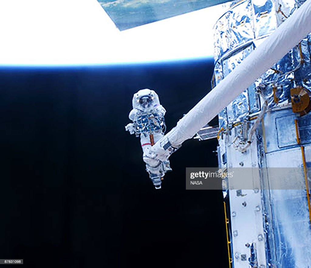 space shuttle mission specialist - photo #40