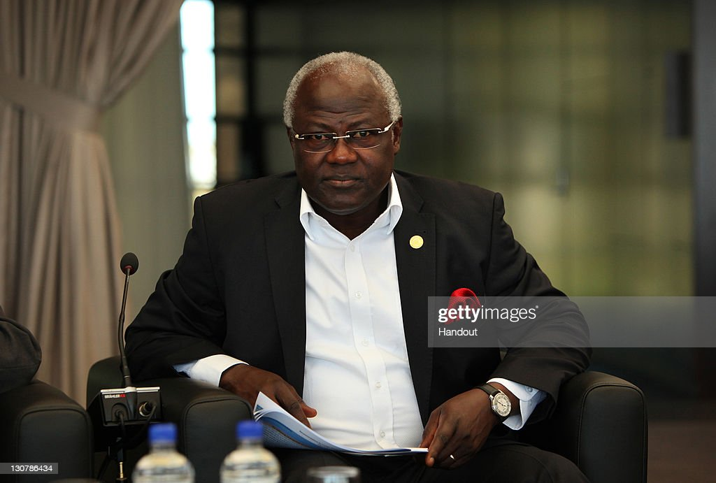 In this handout image provided by CHOGM, The President of Sierra Leone, His Excellency Dr. <a gi-track='captionPersonalityLinkClicked' href=/galleries/search?phrase=Ernest+Bai+Koroma&family=editorial&specificpeople=4447998 ng-click='$event.stopPropagation()'>Ernest Bai Koroma</a> attends the CHOGM Retreat Session III during the Commonwealth Heads of Government Meeeting at State Reception Centre, Kings Park on October 30, 2011 in Perth, Australia. The three-day biennial 54-nation summit, aimed at modernizing the 62-year-old institution and keeping it relevant, concluded with leaders failing to agree on key proposals on human rights.