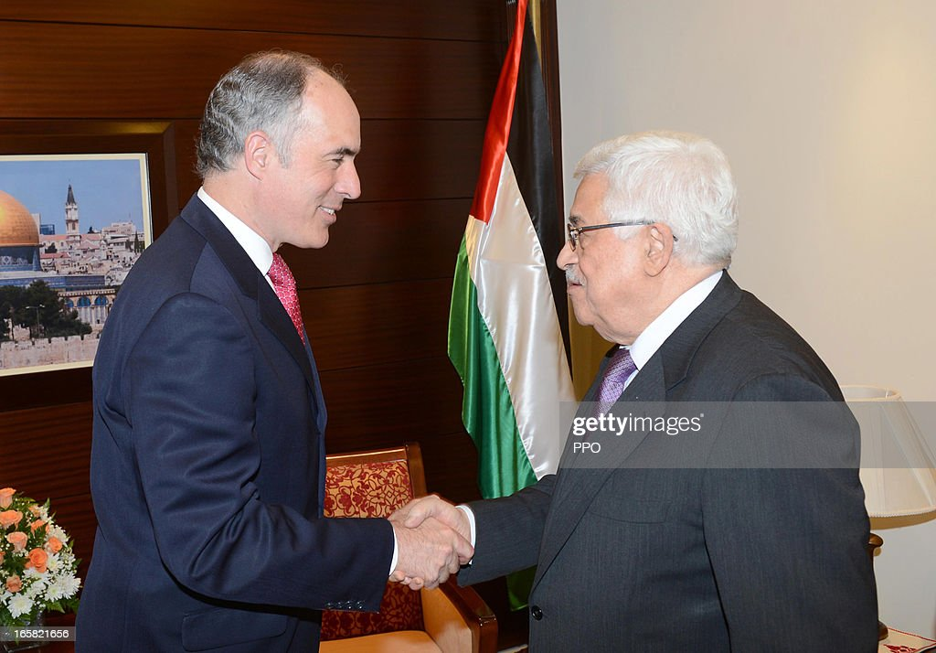 In this handout image provided by the Palestinian Presidents Office (PPO), Palestinian President Mahmoud Abbas (R) meets with American Centaur, Robert Casey on April 6, 2013 in Ramallah, West Bank.