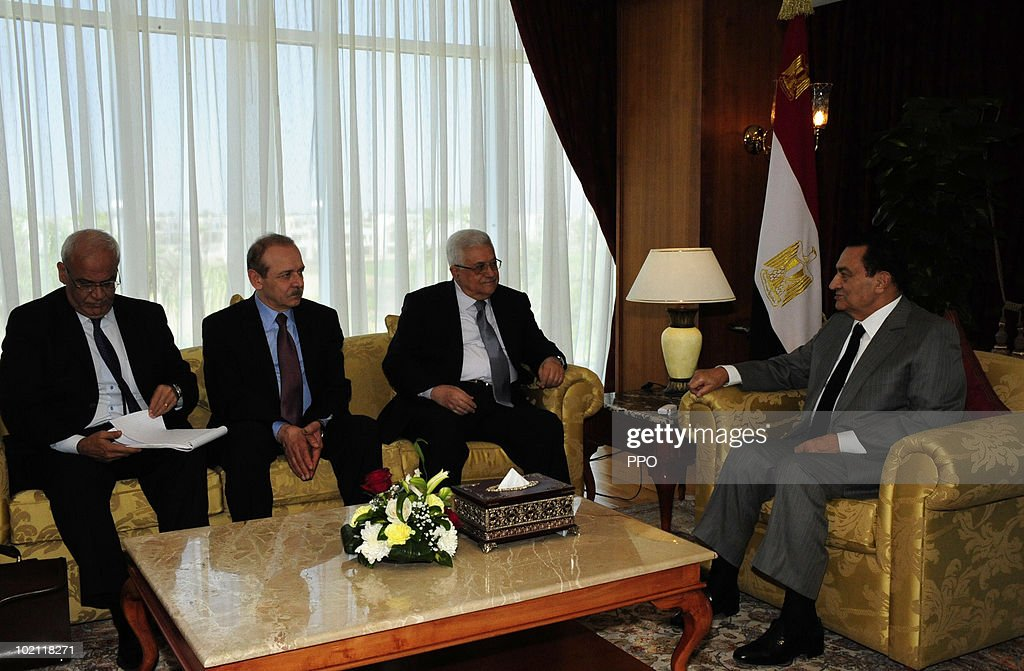 In this handout image released by the Palestinian Press Office, Palestinian President Mahmoud Abbas (2R) meets with Egyptian President Hosni Mubarak (R) June 15, 2010 in Sharm el-Sheikh, Egypt. Abbas called on Israel to open all of its border crossings into Gaza during the meeting.