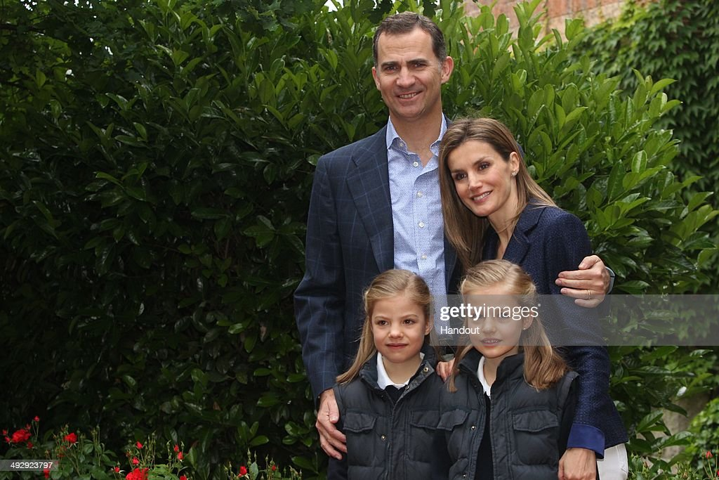 In this handout image supplied by Casa de S.M. el Rey, Their Royal Highnesses, Prince Felipe of Spain and Princess <a gi-track='captionPersonalityLinkClicked' href=/galleries/search?phrase=Letizia+of+Spain&family=editorial&specificpeople=158373 ng-click='$event.stopPropagation()'>Letizia of Spain</a> pose for a photograph with their daughters the Princesses Leonor and Sofia on May 22, 2014 in Madrid, Spain. Prince Felipe of Spain and Princess <a gi-track='captionPersonalityLinkClicked' href=/galleries/search?phrase=Letizia+of+Spain&family=editorial&specificpeople=158373 ng-click='$event.stopPropagation()'>Letizia of Spain</a> celebrate their 10th wedding anniversary.