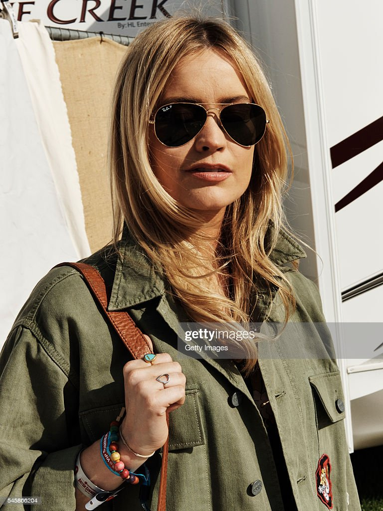 Ray ban sunglasses for couple - In This Handout Image Supplied By Ray Ban Laura Whitmore Wearing Ray Ban