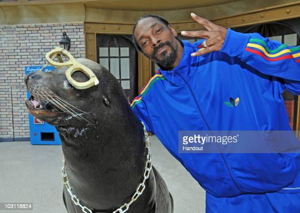 In this handout photo provided by SeaWold San Diego Snoop Dogg may be one of the world's most famous entertainers but SeaWorld San Diego's Clyde the...