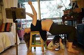 ESP: Macarena Giron Teaches Creative Dance While Pregnant During Lockdown In Spain